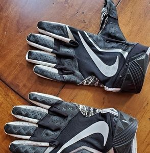 Nike Mens football gloves Large